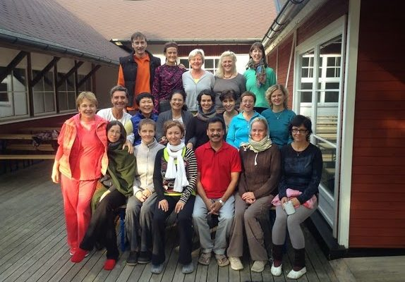 group Yoga Therapie Estonie 2013
